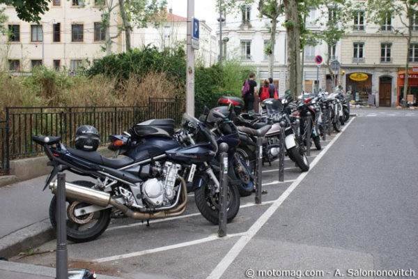0-parking-moto-lyon-1